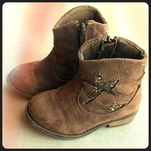 Gently Used Cowgirl Boots Sparkle Star Motif